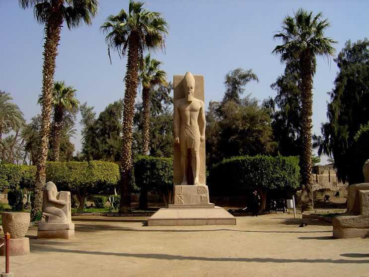 2ème jour : Les pyramides – Memphis - Saqqarah