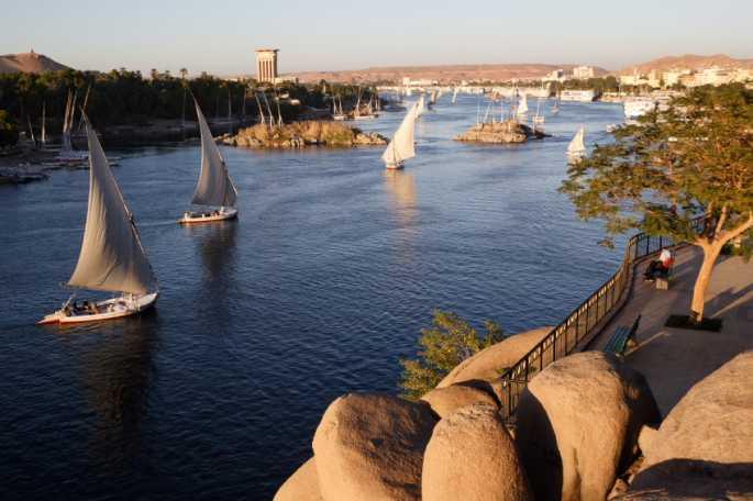 10ème jour :Assouan - le Caire